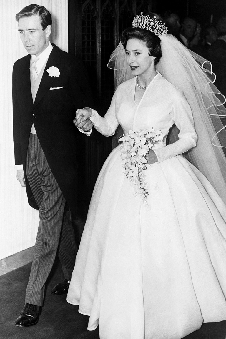 Princess Margaret of England marries Antony Armstrong-Jones.