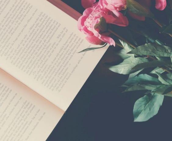 book-flowers-wedding.jpg