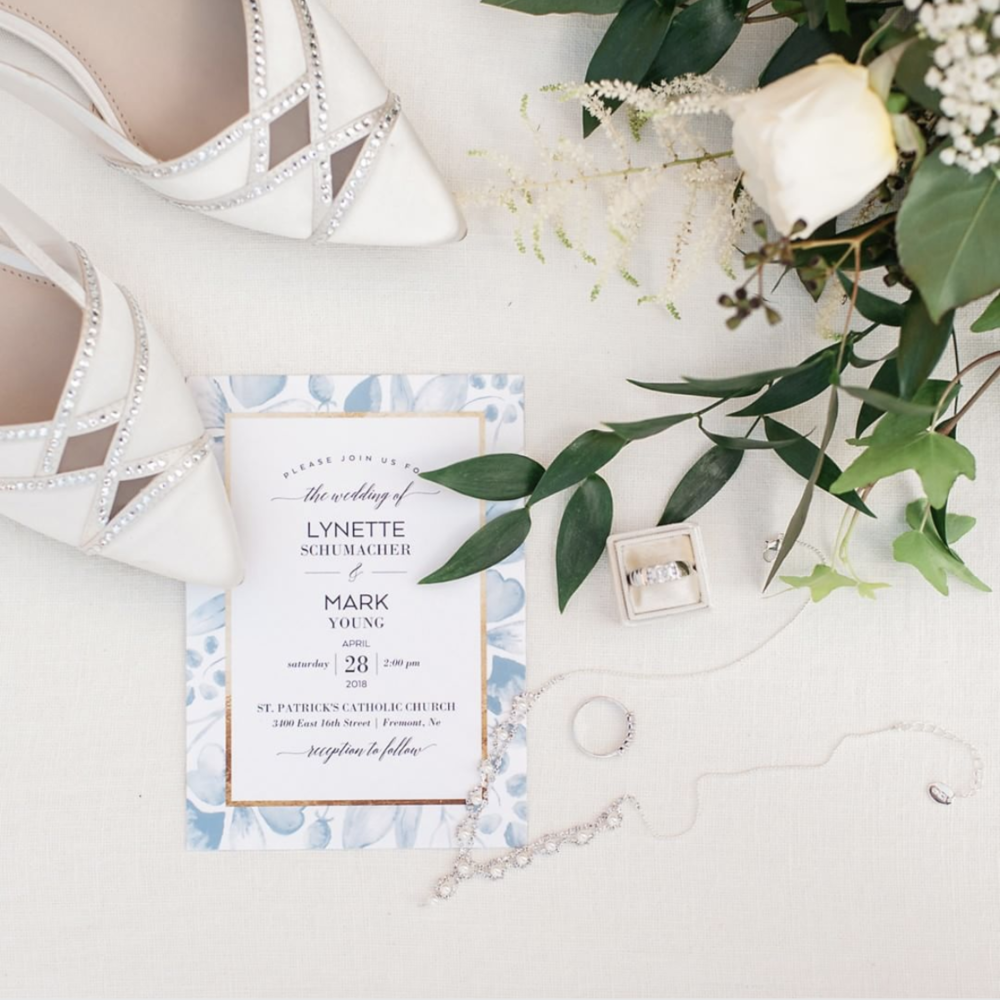 wedding-accessories-invite-lay-flat.png