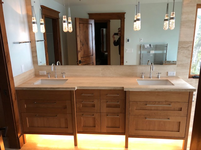 Illuminee - Sandy bathroom.jpg