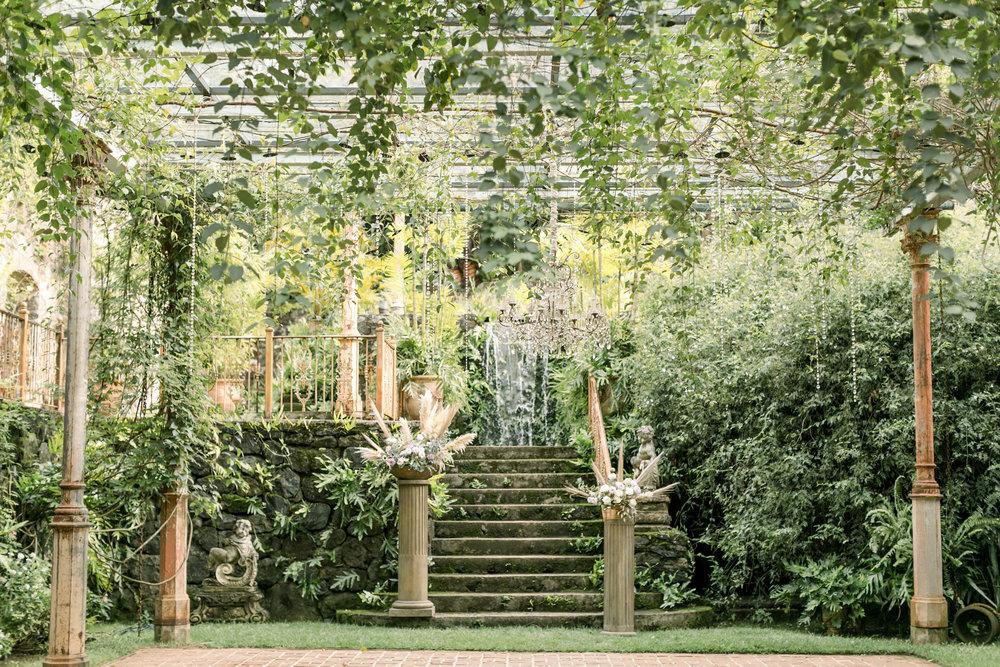 X0513_Haiku-Mill_Maui-Wedding-Photographer_Caitlin-Cathey-Photo_0686.jpg