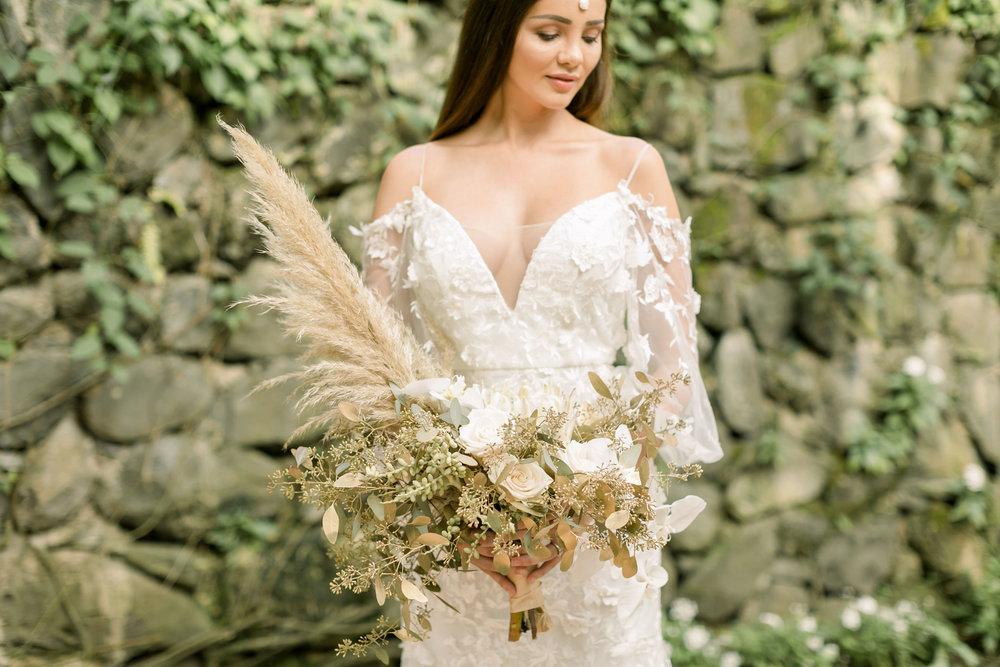 X0513_Haiku-Mill_Maui-Wedding-Photographer_Caitlin-Cathey-Photo_1081.jpg