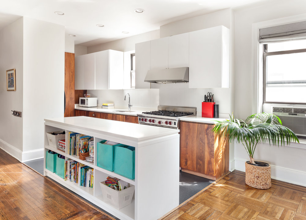 61 Eastern Parkway, Unit 5D  - Abraham Lincoln Co-op  Prospect Heights, Brooklyn   $1,199,000  2 Beds | 1.5 Baths | 1,200 SF