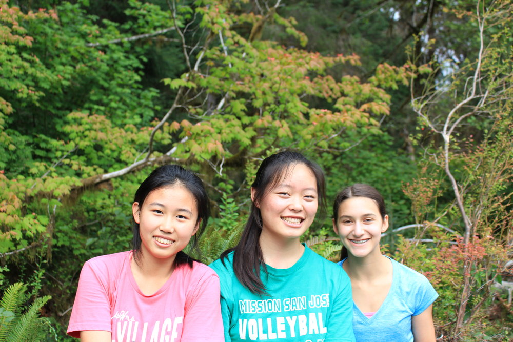 our students develop close bonds with each other while living and traveling together on trail.