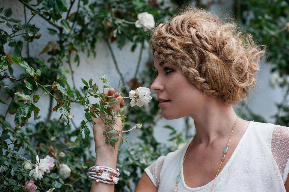 Pheobe_Flowers_312.jpg