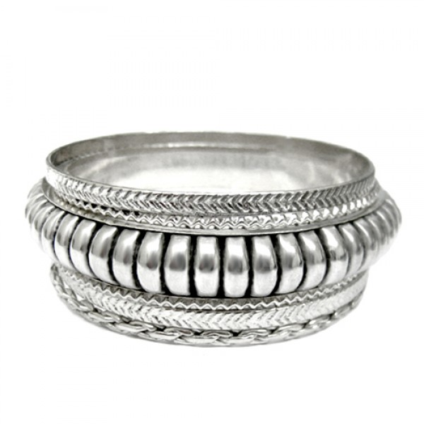 wholesale-fashion-jewelry-antique-silver-solid-bangles-set-of-6pcs_12.jpg