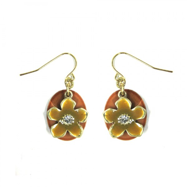 gold-flower-on-shell-earrings_12_1.jpg