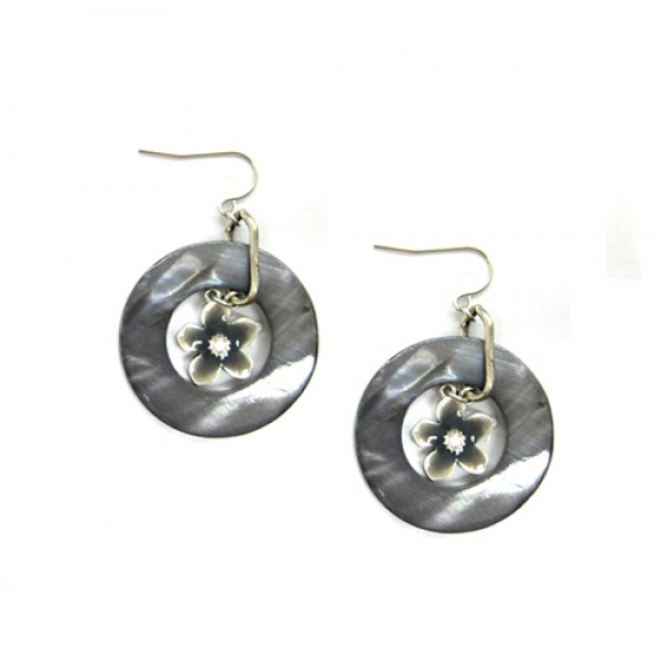 silver-flower-in-white-shell-earrings_13.jpg