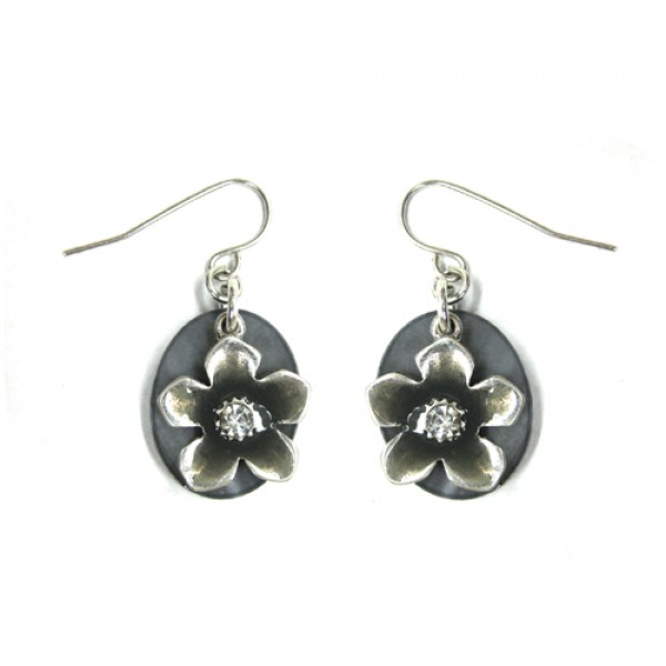 silver-flower-on-shell-earrings_12.jpg