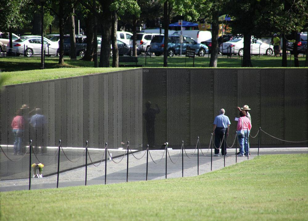 maya lin vietnam memorial 2