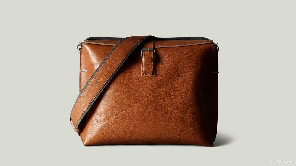 leather shoulder bag.jpg
