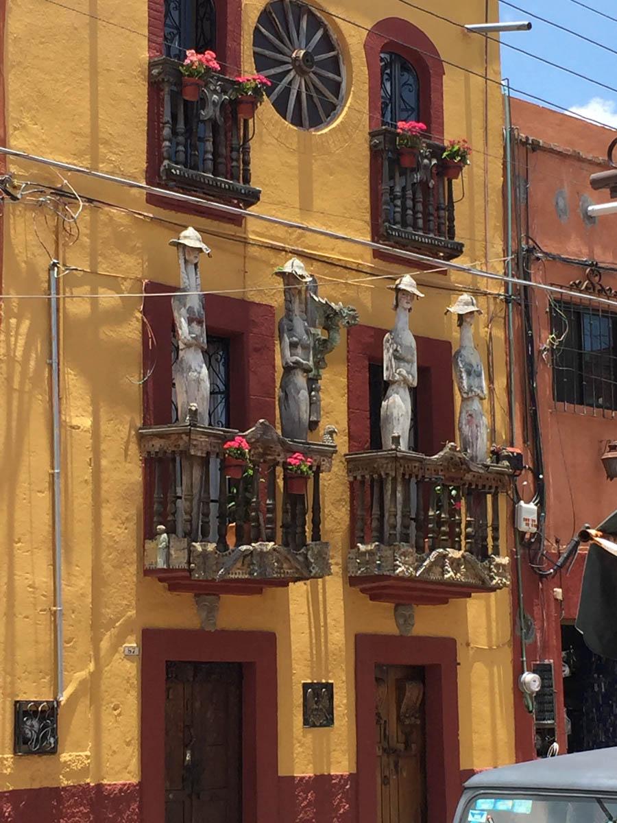 San Miguel de Allende colorful architecture