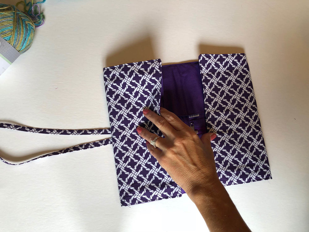 Closing the Della Q knitting case