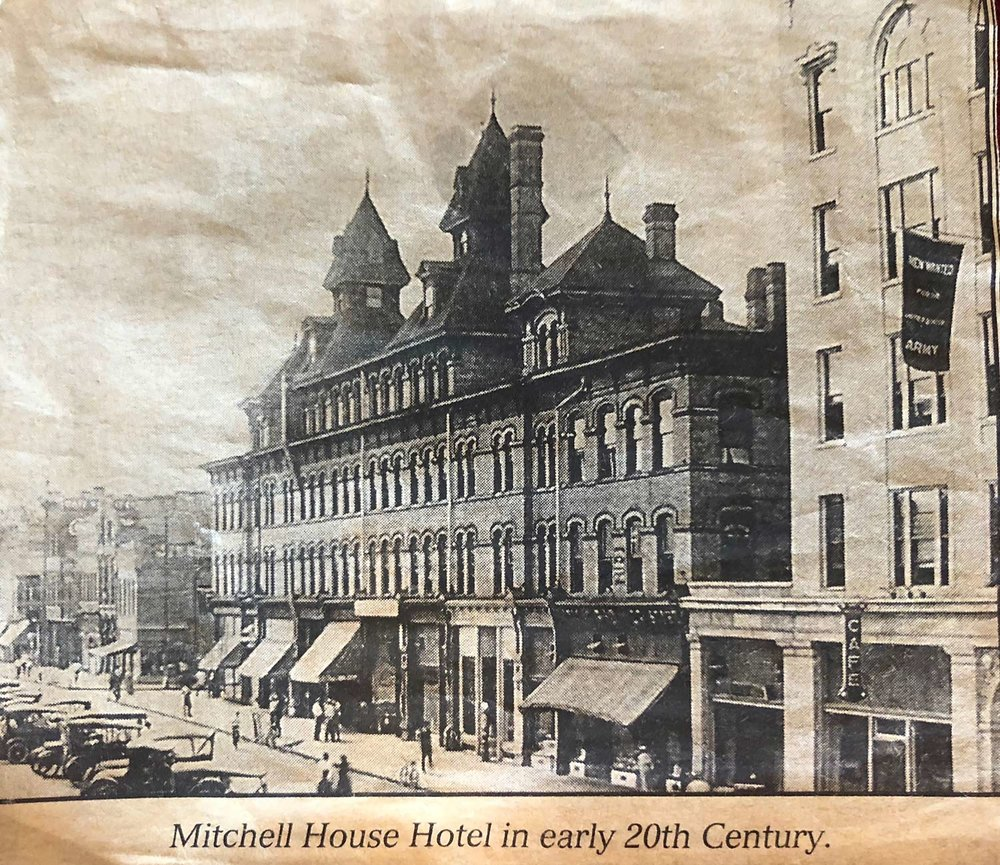 Mitchell House Hotel in early 20th Century; home to Trolly's Designer Fabrics, LLC (2018)