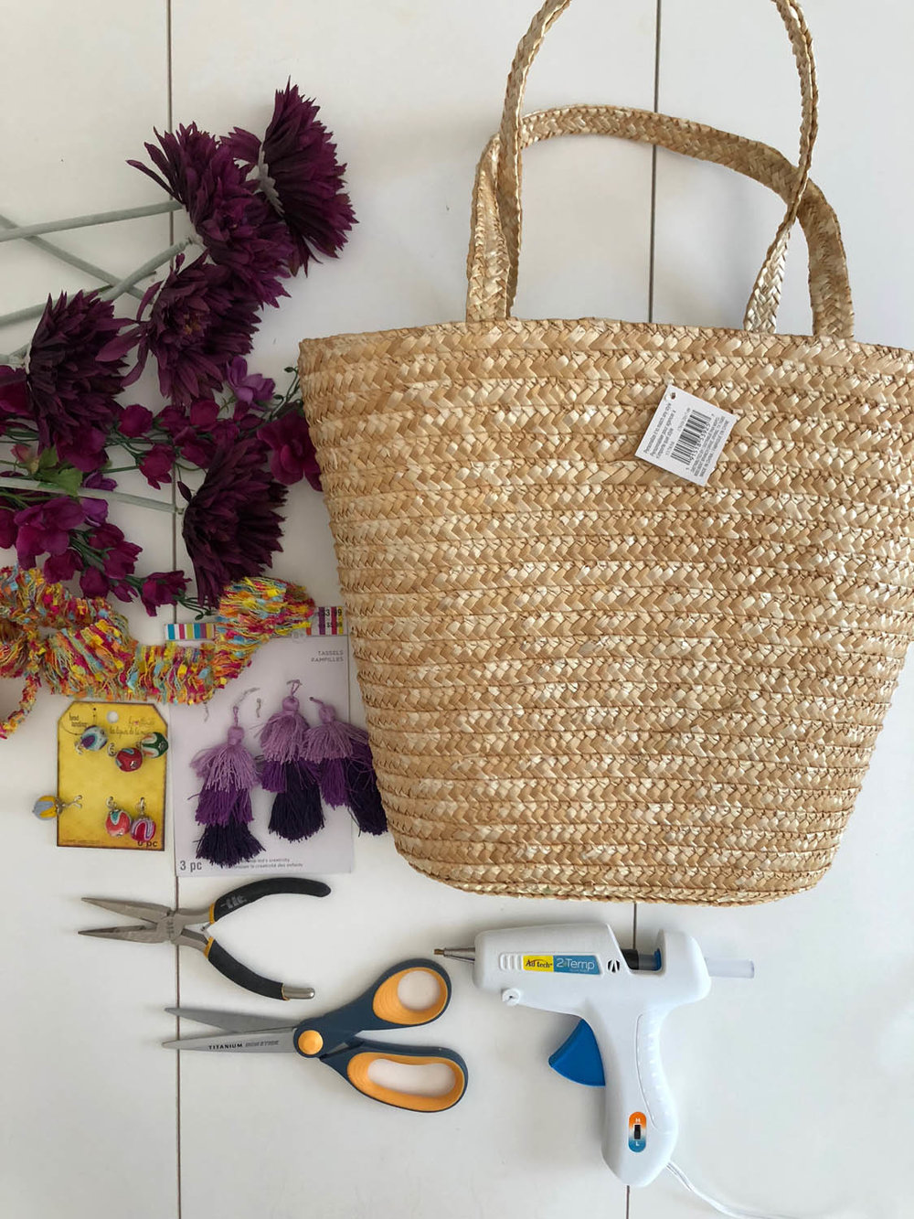 supplies to make an embellished straw tote