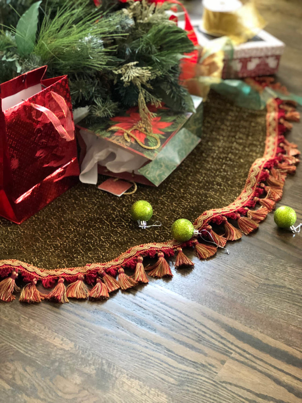 Elegant No-Sew Christmas Tree Skirt Using Upholstery Fabric and Fringe