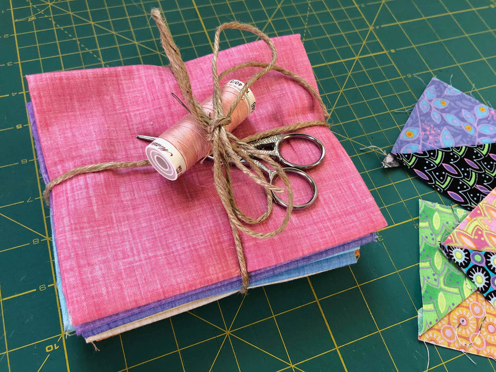 5b-quiting-fabric-gift-bundle-with-sewing-tools.jpg