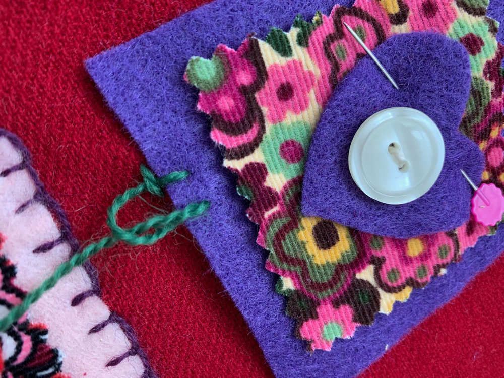 step 4 how to hand embroider blanket stitch on felt squares
