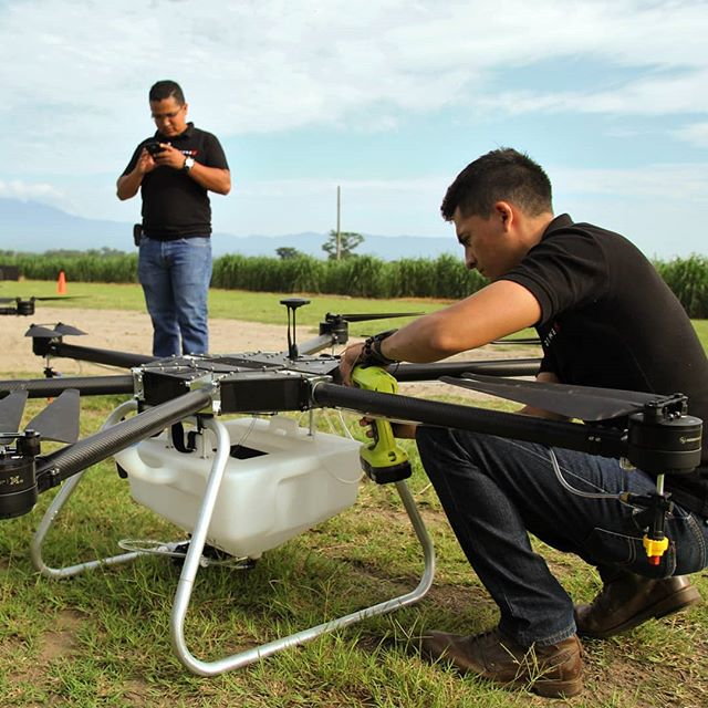 Another Day, Another Spray. ☀ 💦 🌿  Drone operators in #ElSalvador ensure a proper application of #chemicals to #crops day in day out.  #agriculture #drones #spraying #herbicide #fertilizer #droneX