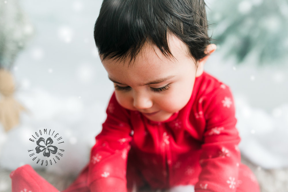 Toronto-NorthYork-Christmas-Minis-Holiday-Photographer-baby-children-kid-photo (57).jpg