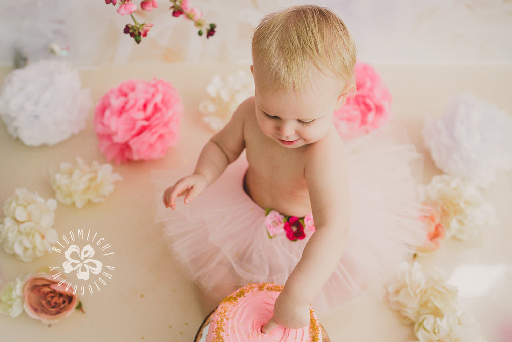 North York and Toronto baby birthday cake smash photo with Spring and blossom theme (21).jpg