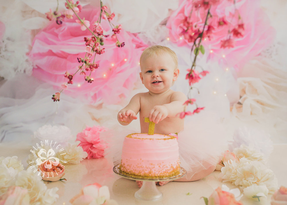 Toronto baby turn one year old in her spring theme  old  cake smash photography (4).jpg