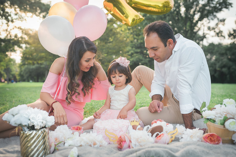 Second-Birthday-Outdoor-photo-Toronto-and NorthYork-baby-and-family-photographer (3).jpg