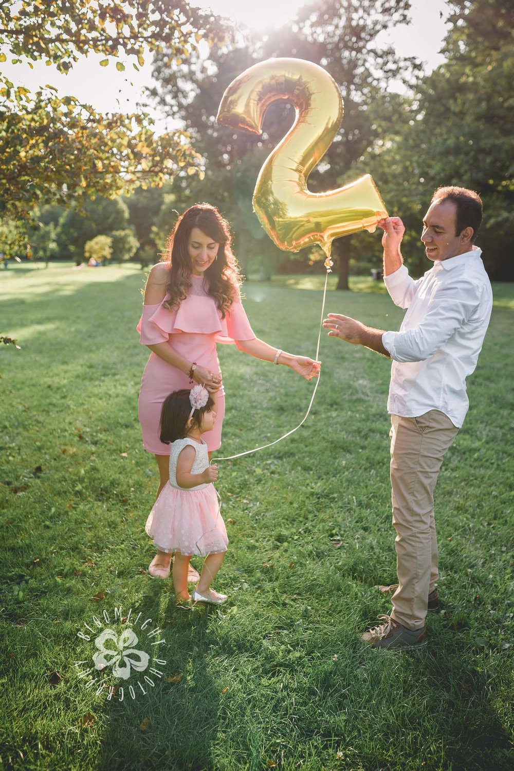 Second-Birthday-Outdoor-photo-Toronto-and NorthYork-baby-and-family-photographer (7).jpg