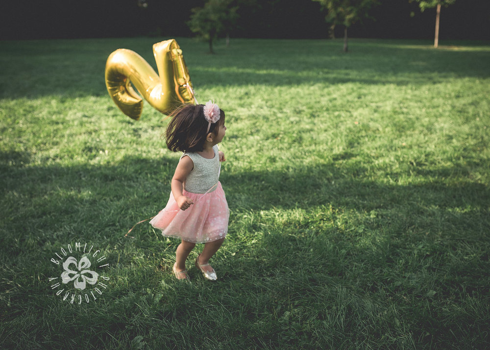 Second-Birthday-Outdoor-photo-Toronto-and NorthYork-baby-and-family-photographer (12).jpg