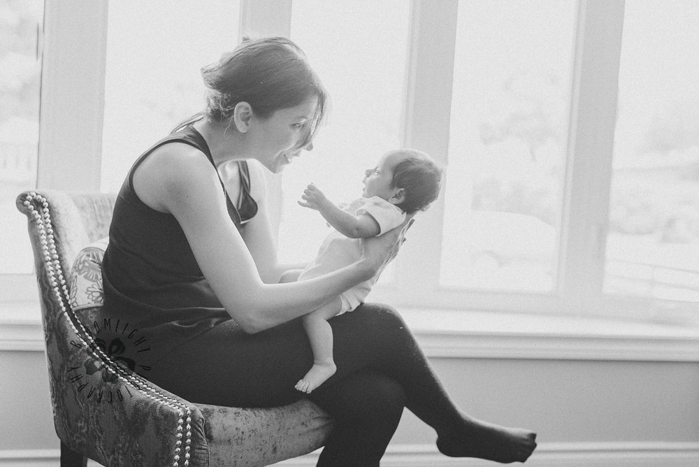 Toronto-lifestyle-in-home-newborn-and-family-photographer (5).jpg