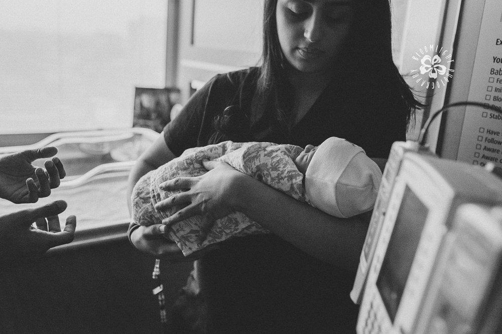 newborn-new-mom-after-birth-TorontoPhotographer.jpg