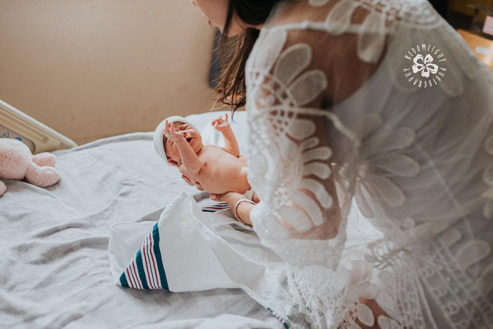 fresh48-new-mamma-hospital-newborn-Toroto-Photographer.jpg