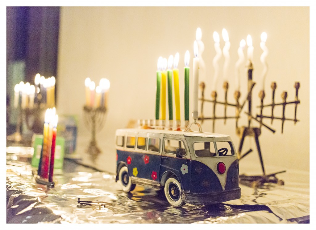 CandleLighting4_CBSCommunityHanukkahCelebration_December2015