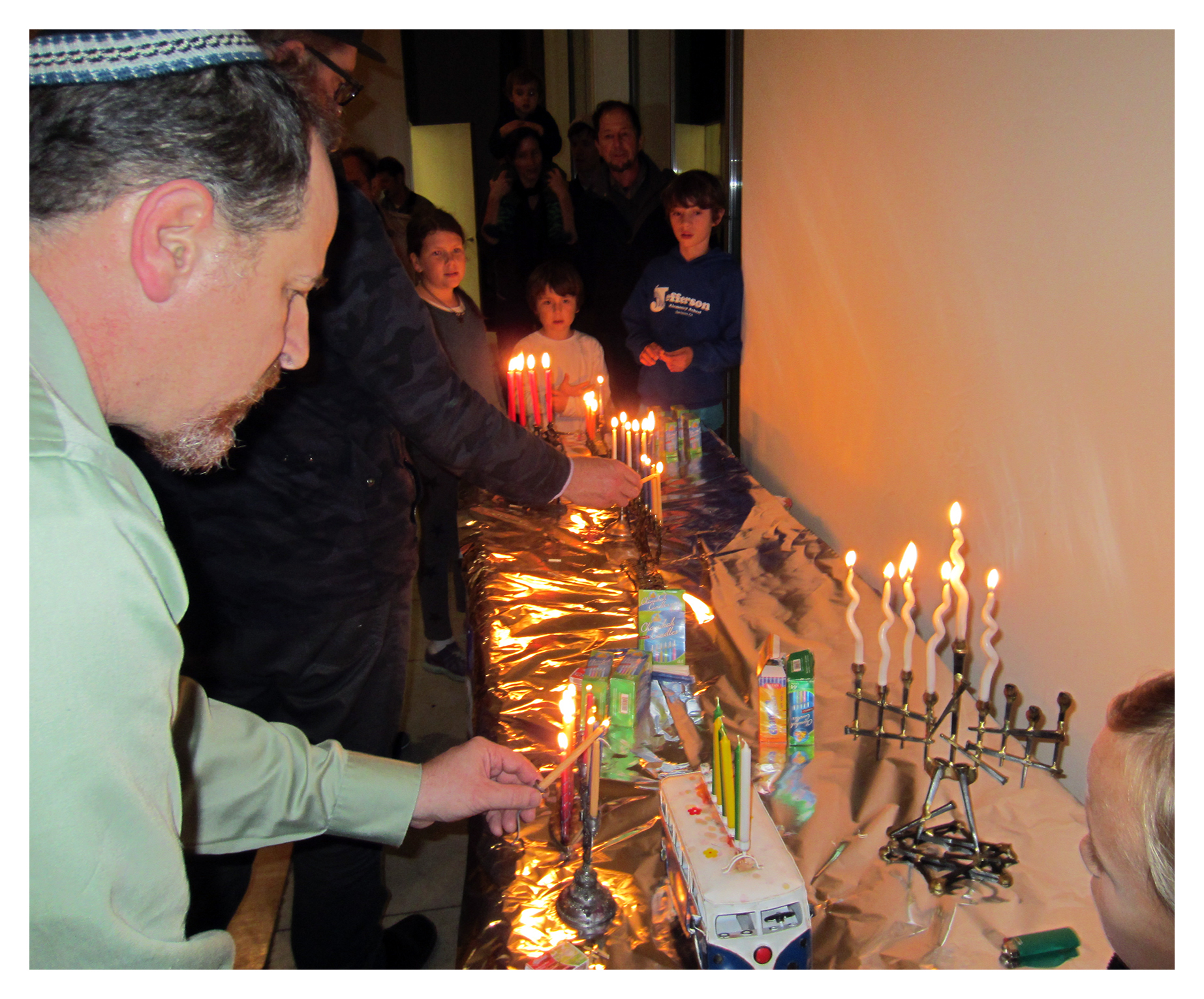 CandleLighting_CBSCommunityHanukkahCelebration_December2015