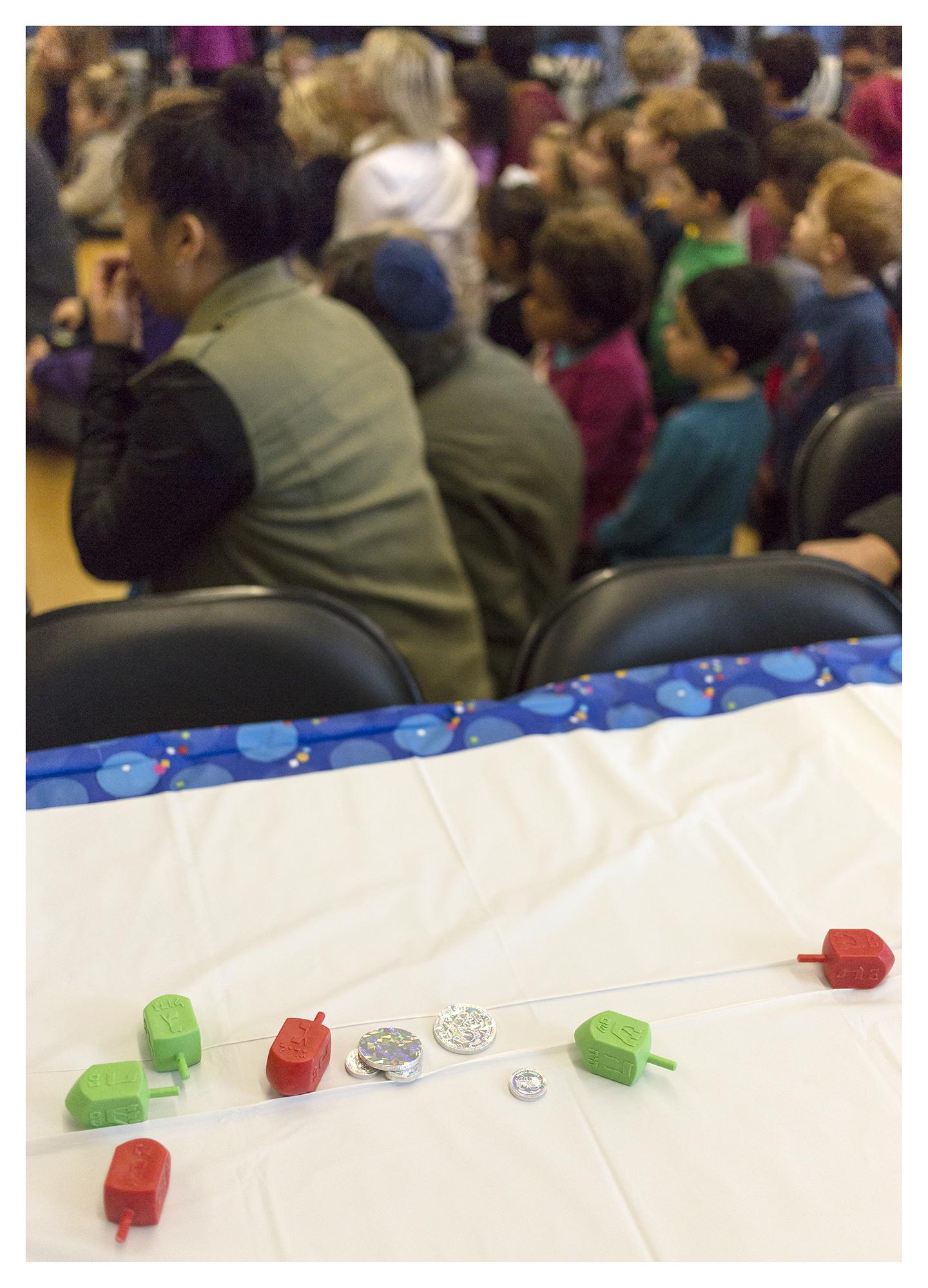 Dreidels&Gelt_CBSFamilyPreschoolHanukkahLunch_December2015