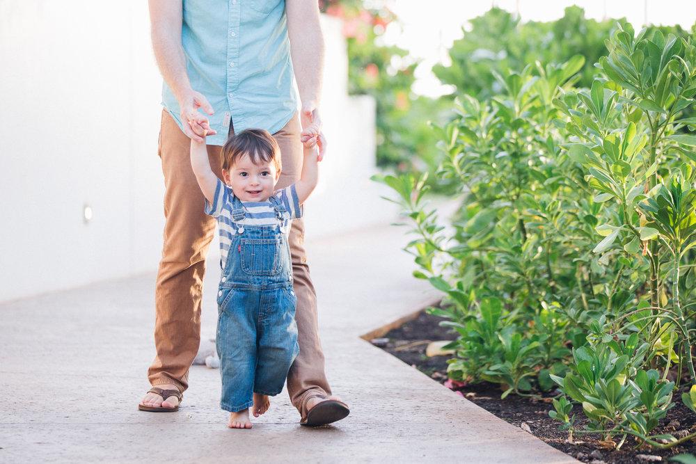 Family-Photographer-Four-Seasons-Oahu-7.jpg