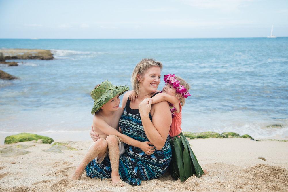 Hula_Four_Seasons_Oahu_Photographer_10.jpg