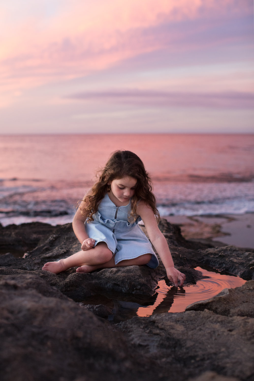 Four-Seasons-koolina-photographer-girl-sunset.jpg