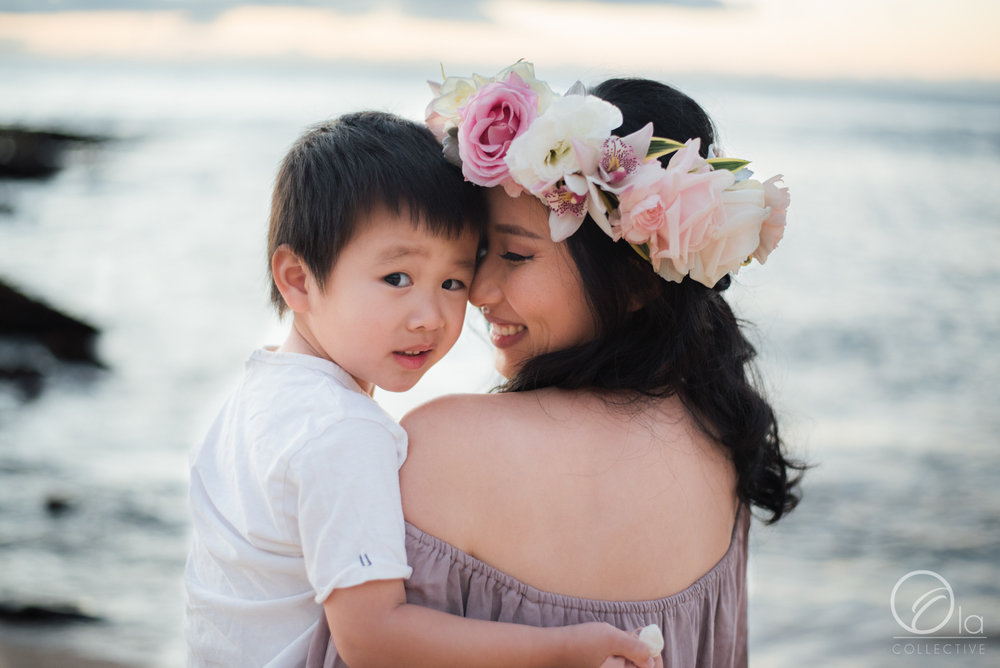 Special moments with little ones and a floral crown from  Hau'oli's Haku