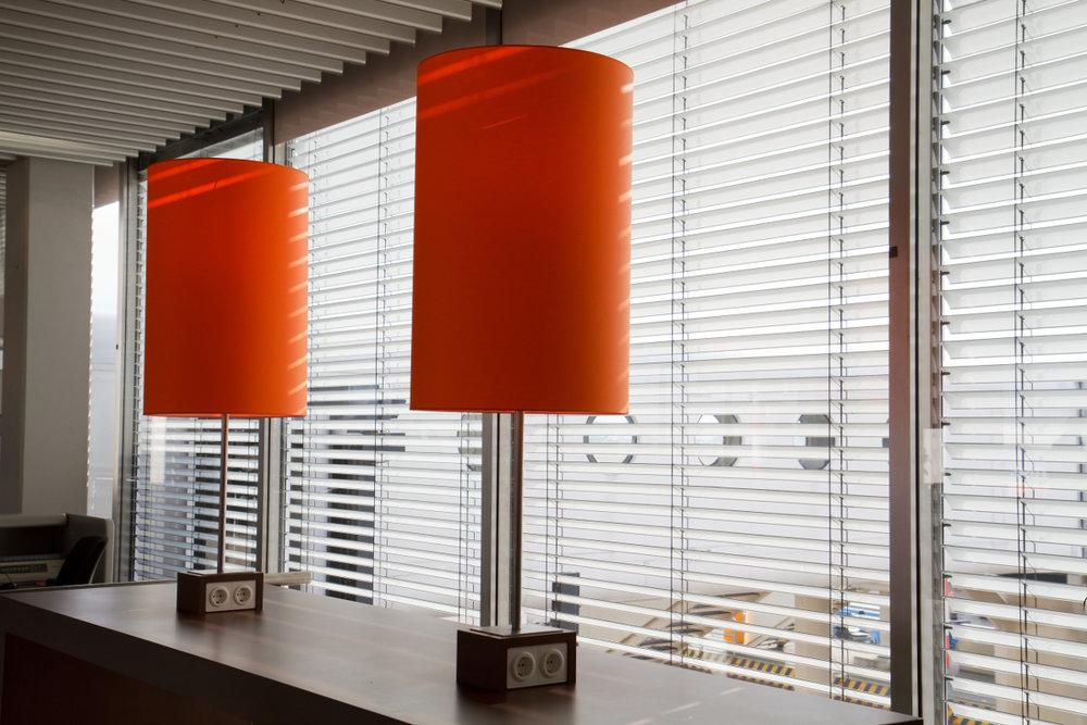 Superieur Aluminium Venetian Blinds   Office Area With Orange Lamps   Venluree.jpeg