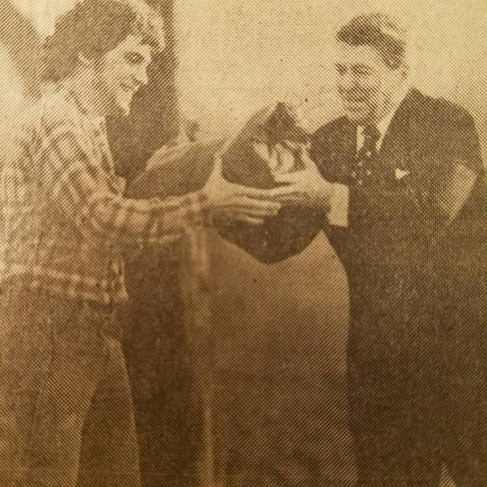 President Ronald Reagan with a sandbag, byMike Hanley of  The News-Sentinel.