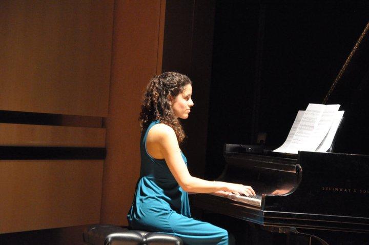 senior-recital-piano-2011.jpg