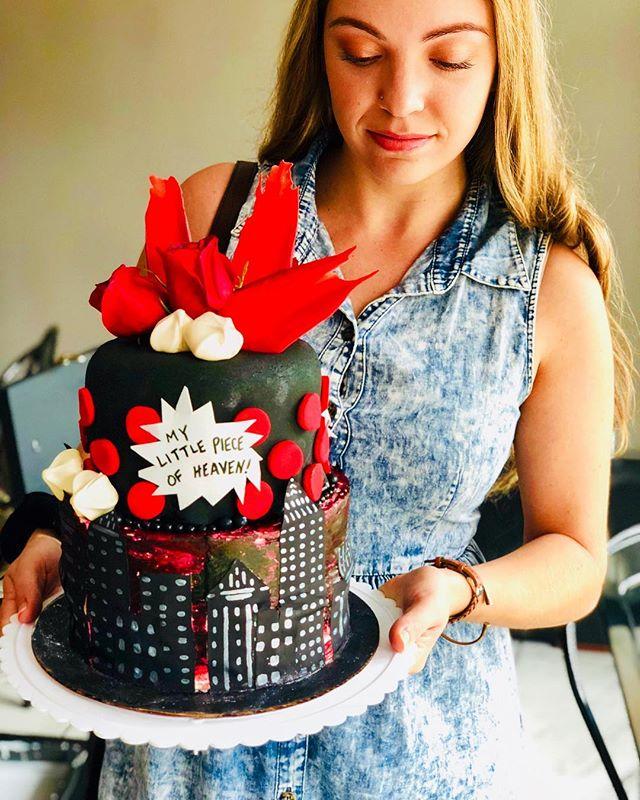 Dudes deserve cake too. Deadpool inspired grooms-cake in @mcgreeveycakeco style! #cakesofinstagram  #cakeart  #spreadlove  #deadpool  #marvelcomics  #weekendvibes  #wedding  #summer