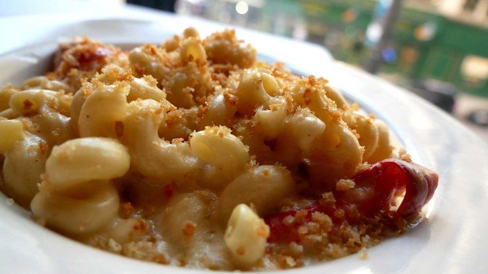 steakhouse-menu-favorites-lobster-mac-cheese.jpg