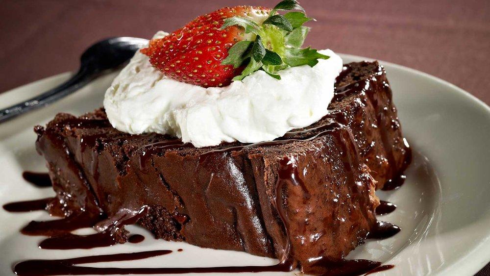 steakhouse-menu-favorites-cake.jpg