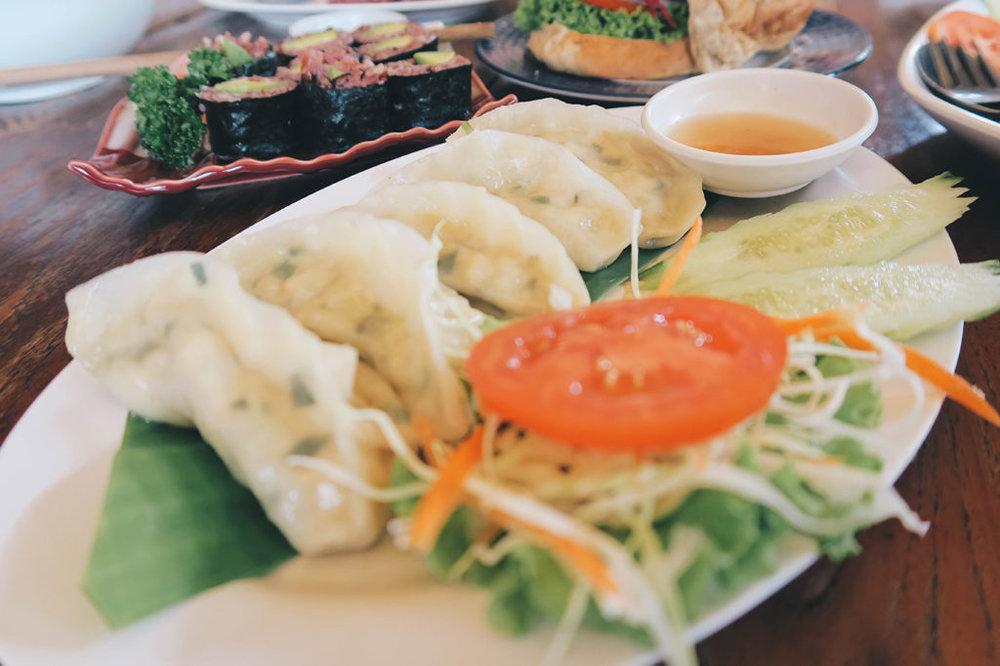 Aum-Vegetarian_02-1024x682.jpg