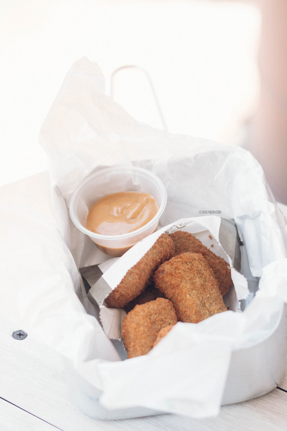 Chik'n Nuggets with Dijonnaise (Dijon + Mayonnaise) Sauce ($5.90)