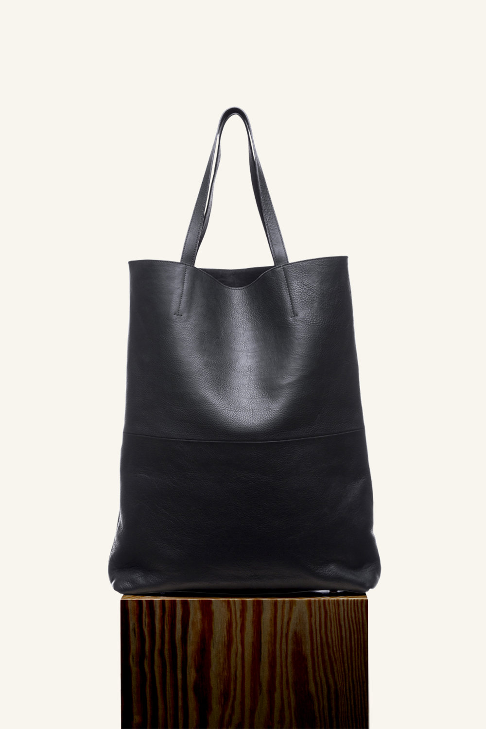 Regina tote largenew low.jpg