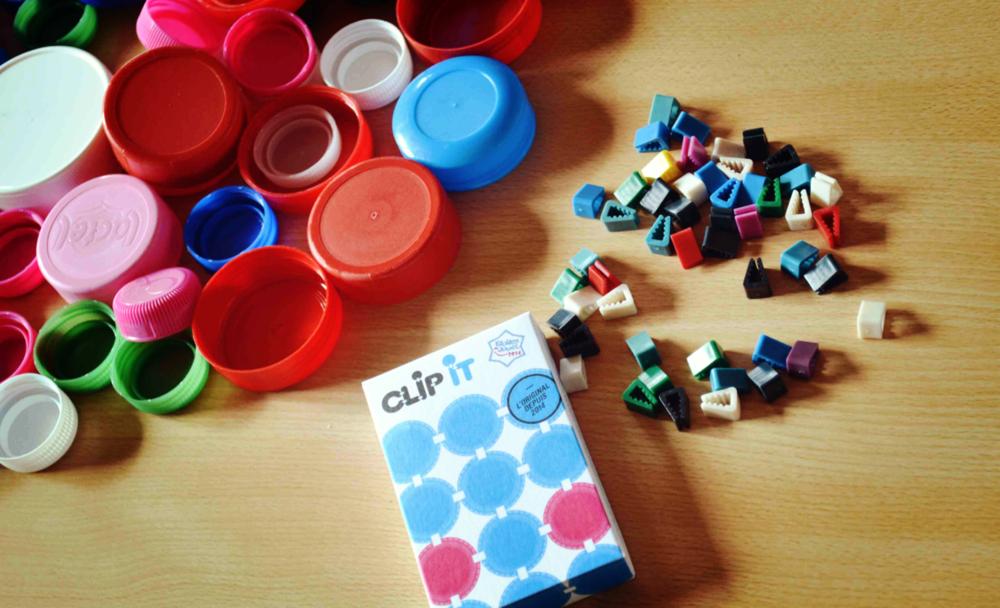 Clip it - Un jeu éducatif, créatif et durable, 90% surcyclé.Les enfants collectent les bouchons et nous fournissons la