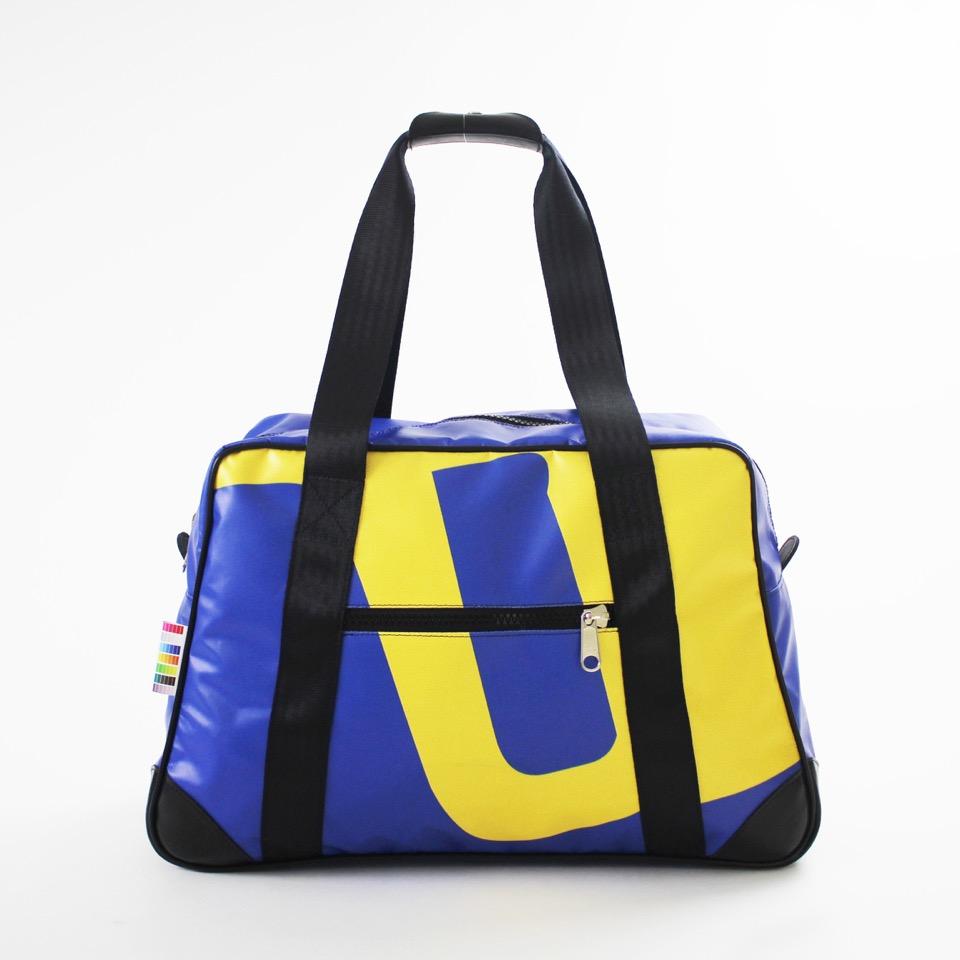 Cabine-jaune-bleu_by-bilum.jpeg